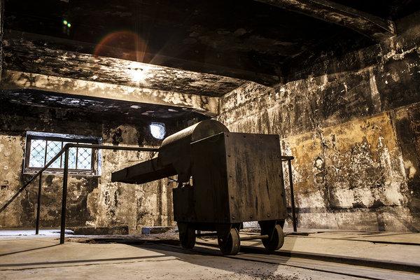 vozík na mŕtve telá