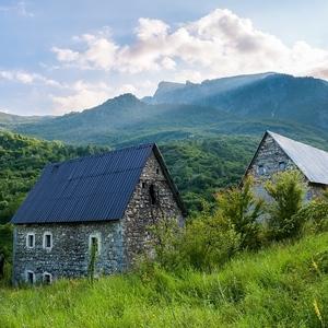 V albánskych údoliach