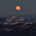 Slnko a Mesiac