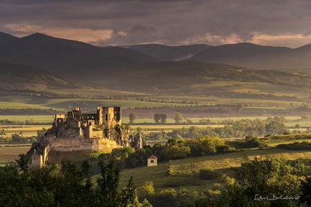 Dražba fotografií hradu Beckov