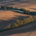 Jesenný východ na poliach