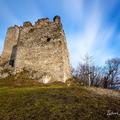 Zimný východ slnka na hrade Tematín