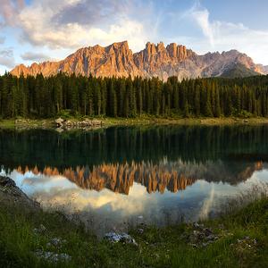 Západ slunce u Lago di Carezza