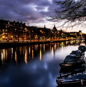 Nočný Amsterdam