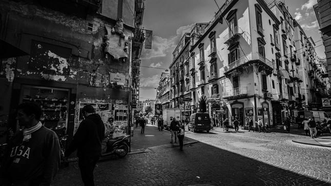Streets of Naples 01