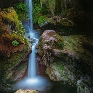 Voda a svetlo