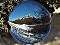 krajina v sklenenej guľôčke