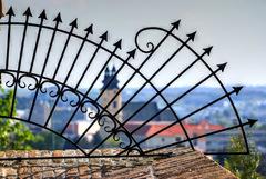 Pohľad z NR hradu na Piaristov