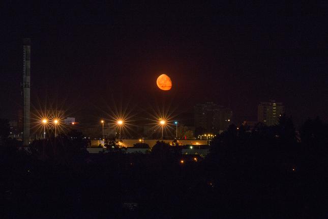 Východ Mesiaca