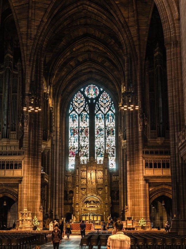 L'poolska katedrala