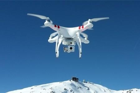 Dopravný úrad určil pravidlá na prevádzku dronov, hrozia pokuty