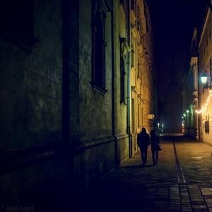 tichou uličkou