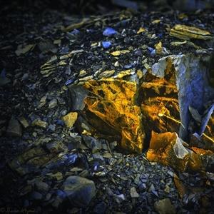 večer v kameňolome