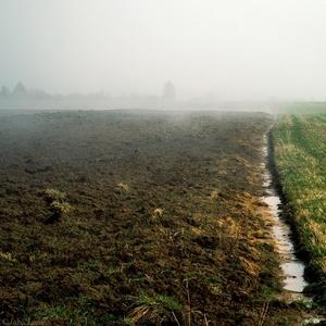 dva svety v rannej hmle