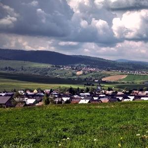 za dedinou dedina