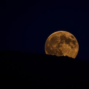 Včerajší východ mesiaca