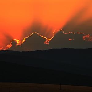 Pred východom slnka