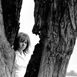 Dievča a strom III