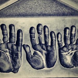 Ruky rukaté...