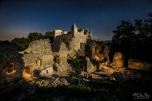 Noc na hrade