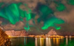 Aurora v Reine