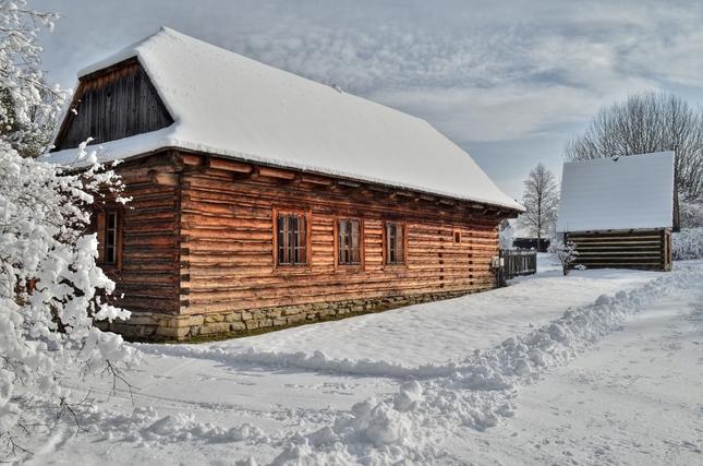 Stará škola zPetrovíc