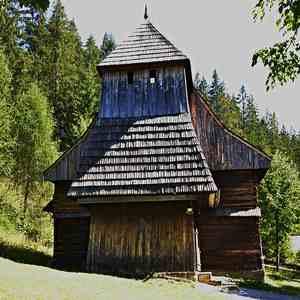 kostolik v Zuberci-Brestovej