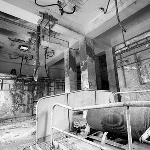 ...stará fabrika...