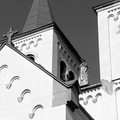 Kostol v Bíni - medzi vežami....