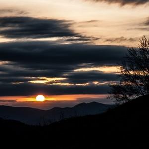Tesne pred západom Slnka