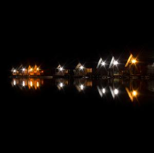 plávajúce bungalovy