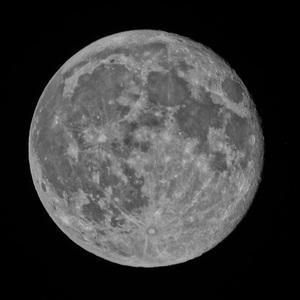 mesiac v HDRku