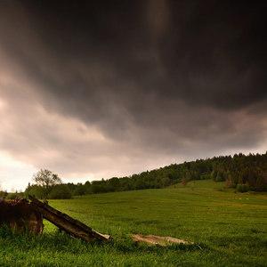 Na lúke, pred búrkou