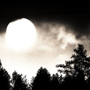 slnko vyšlo nad temnotami