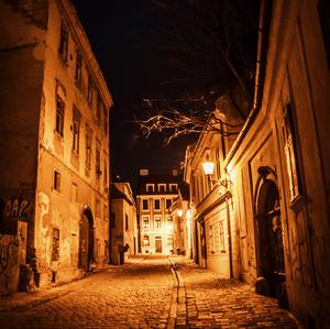 V uličkách mesta