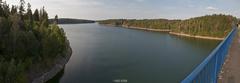 Panorama z mosta priehrady.