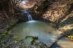 Jarný vodopádik. (2)