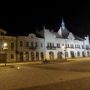 NIGHT - Námestie Topoľčany