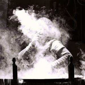 V zajatí dymu