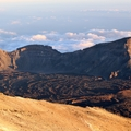 Pohled na kalderu z vrcholu Pico del Teide