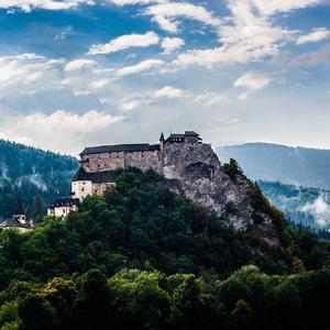 Rozprávkový hrad po búrke