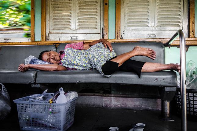 Poobedná siesta(vlaky 3. triedy)