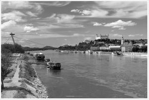 Nebo nad Dunajom