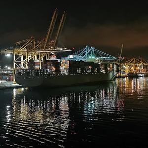 v přístavu _ No. II
