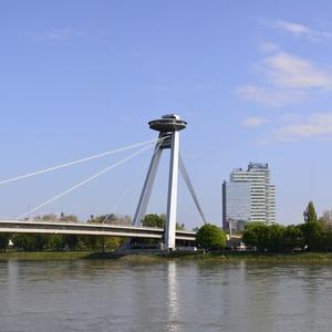 Rieka Dunaj, most Ufo-panorama 2