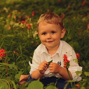 Chlapec medzi áronmi-2