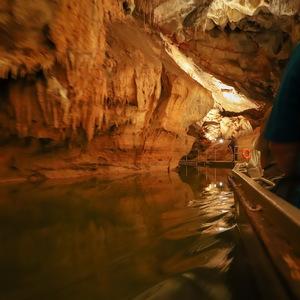 pĺťkou po jaskyni