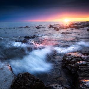 Západ na mori