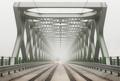 Starý most v hmle