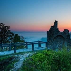 Svitanie z Považského hradu